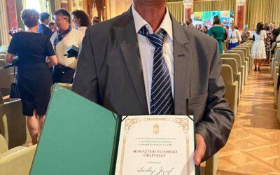 Sárközi József, az Eötvös Technikum munkatársa miniszteri elismerésben részesült